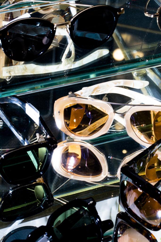 Presentation de lunette chez opticien lunetier bordeaux