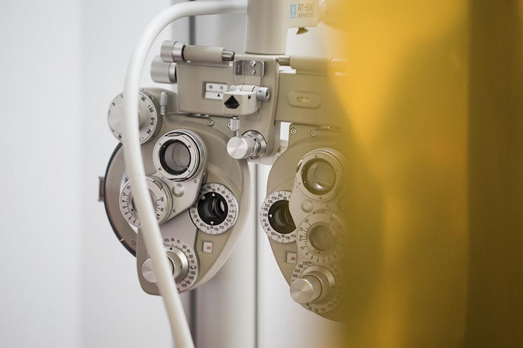 Chez votre opticien à Paris 1, un instrument moderne d'examen de la vue
