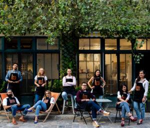 Equipe Milan Lunetier en terrasse