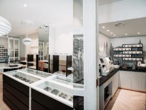miroirs et salle technique de la boutique