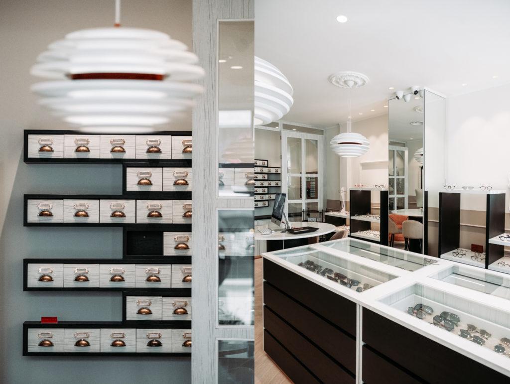 intérieur boutique casiers, lumières et présentoirs