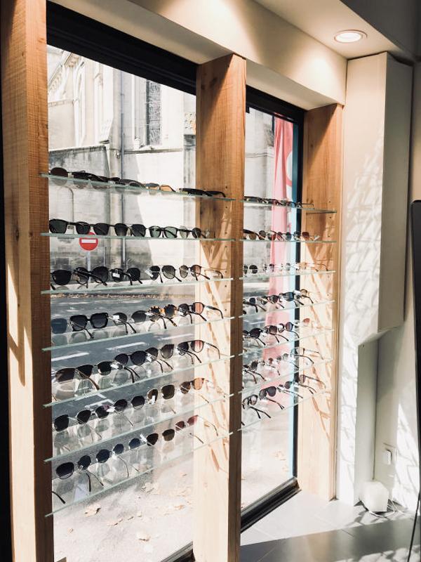 sylvere ares eye like lunetier interieur étagère vitrine