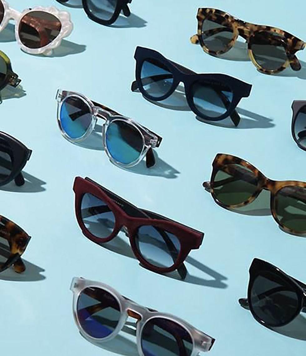 Photo de différentes lunettes alignées