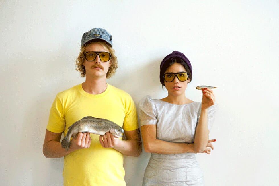 Photo de couple portant des Mykita, lunettes de soleil d'exception