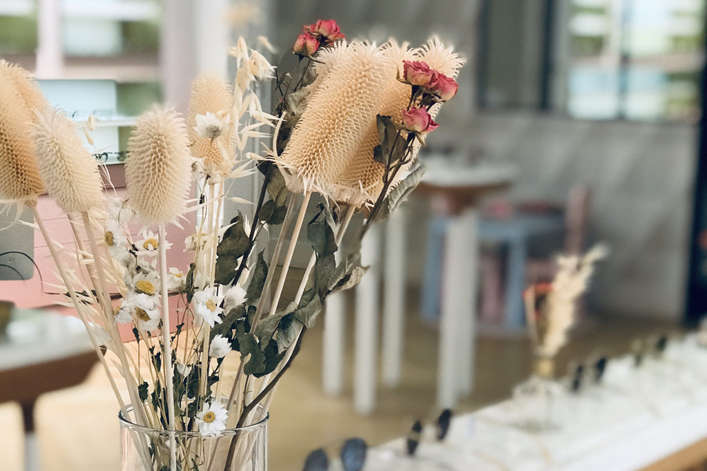 décoration florale Chez l'opticien lunetier Marine à Troyes