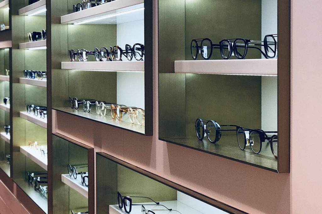 Nouvelles étagères 2019 Chez l'opticien lunetier Marine à Troyes