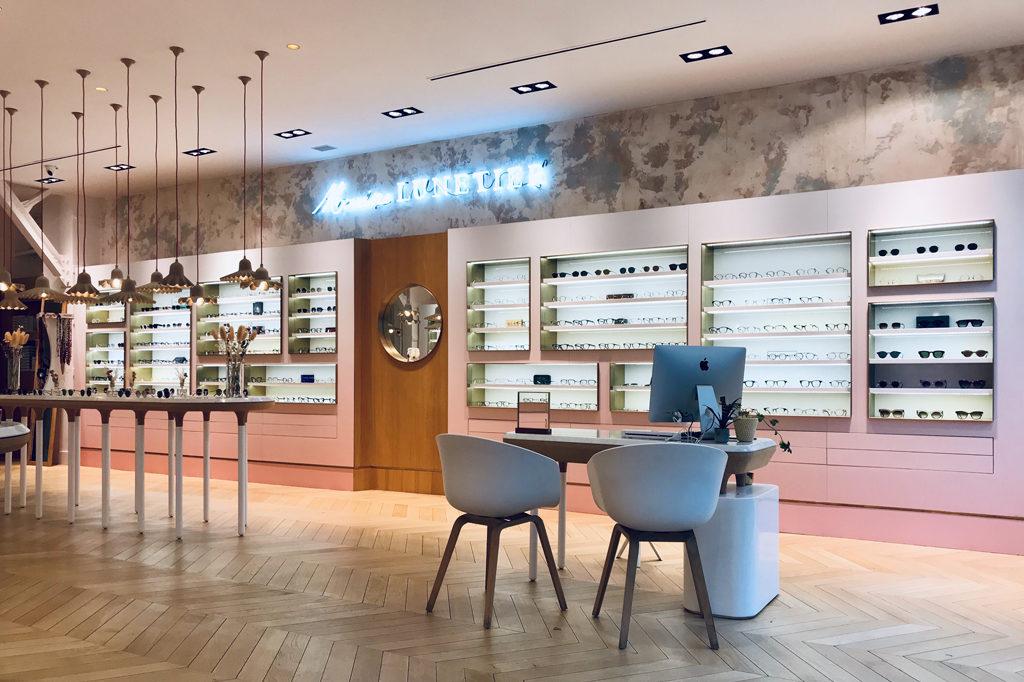Intérieur , espace client Chez l'opticien lunetier Marine à Troyes