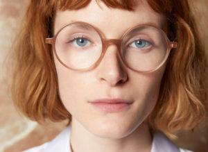 Jeune fille Kaleos lunettes rondes